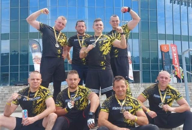 Ekipa ośmiu policjantów z komendy w Oświęcimiu stanęła na starcie Runmageddon Rekrut rozegranego w Gliwicach