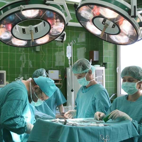 Możliwie wczesne wykrycie raka jelita grubego często wyklucza operację.