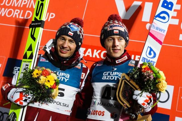 Kamil Stoch i Dawid Kubacki mają walczyć o czołowe miejsca w klasyfikacji Pucharu Świata 2020-2021