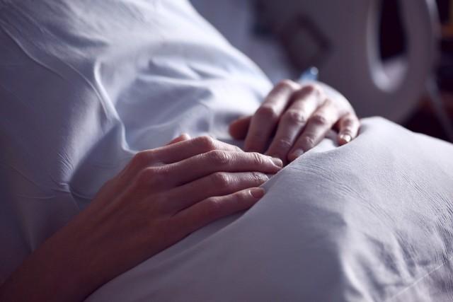 W szpitalach brakuje miejsc dla pacjentów z COVID-19