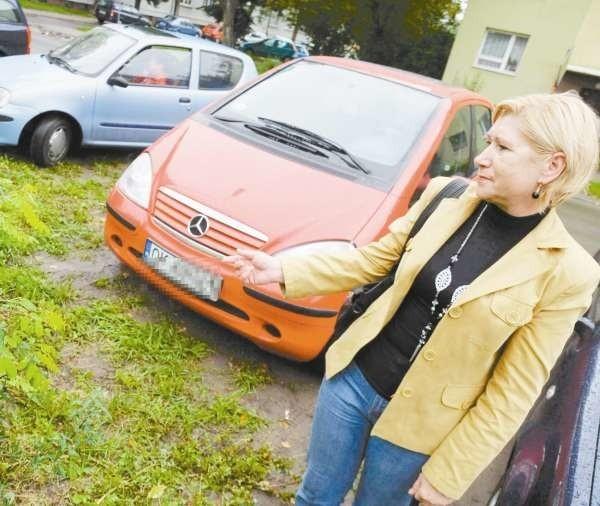 Brak miejsc parkingowych to w tej okolicy ogromny problem - przyznaje Teresa Kukolka, kierowca z Kędzierzyna-Koźla.