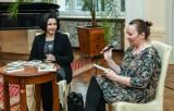 """Dzień Kobiet w Ostromecku z przedpremierą książki """"Bydgoszcz jest kobietą"""" i koncertem na żywo [zdjęcia]"""