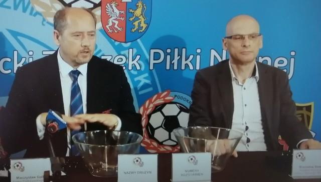 Ceremonię losowania terminarza przeprowadzili prezes Podkarpackiego Związku Piłki Nożnej Mieczysław Golba i redaktor naczelny Nowin – Stanisław Sowa.