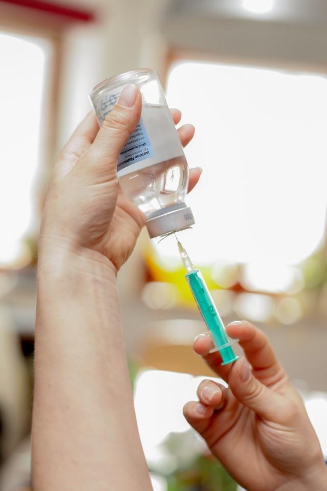Minimum 60 proc. Polaków powinno się zaszczepić, aby zakończyć transmisję koronawirusa.