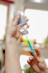 Antyszczepionkowcy storpedują walkę z pandemią? 60 proc. Polaków musi się zaszczepić