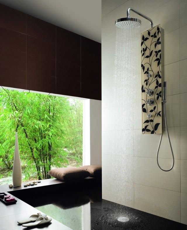 Florystyczne akcenty wymagają rozwagi i oszczędności, a przede wszystkim jednorodnej koncepcji na cały styl łazienki. Modne, roślinne akcenty możemy zastosować w naszej łazience także bez konieczności większego remontu