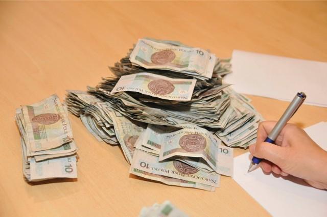 Zbiórka pieniędzy na rzecz ofiar pedofilii/zdjęcie ilustracyjne