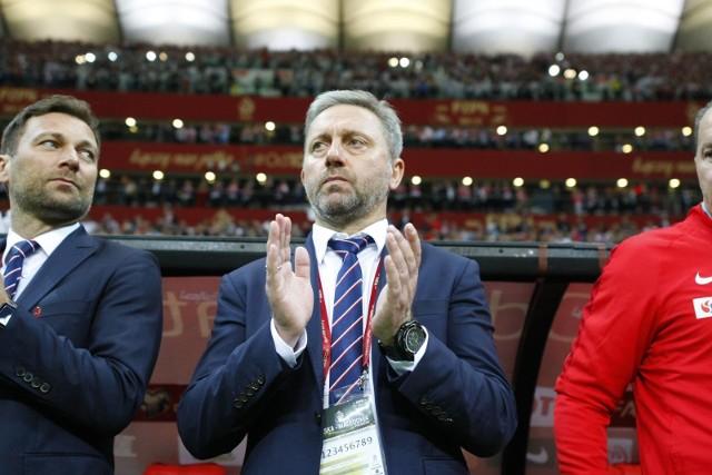 Aby dostać się na turniej finałowy Euro 2020, reprezentacja Polski potrzebowała zaledwie osiem spotkań na dziesięć do rozegrania. W tym czasie wygraliśmy sześciokrotnie, raz podzieliliśmy się punktami i raz ponieśliśmy porażkę. Awans Polacy wywalczyli w domowym spotkaniu z Macedonią Północną, ale pracowali na to przez cały rok. Zobaczcie drogę Orłów Brzęczka do Euro 2020!