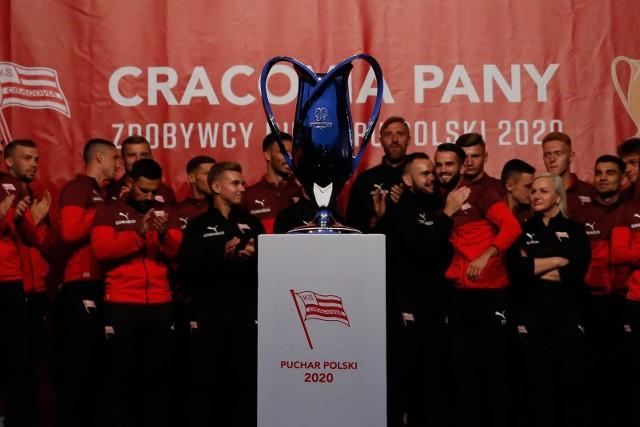 Feta z okazji zdobycia przez drużynę Cracovii Pucharu Polski