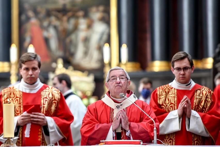 Abp Sławoj Leszek Głódź został ukarany przez papieża za...