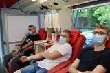 Akcja oddawania krwi w Sępólnie Krajeńskim. Honorowi dawcy oddali cenny dar. Zdjęcia