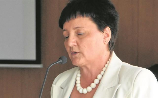 Mirosława Lehman tuż przed uronieniem łez z mównicy