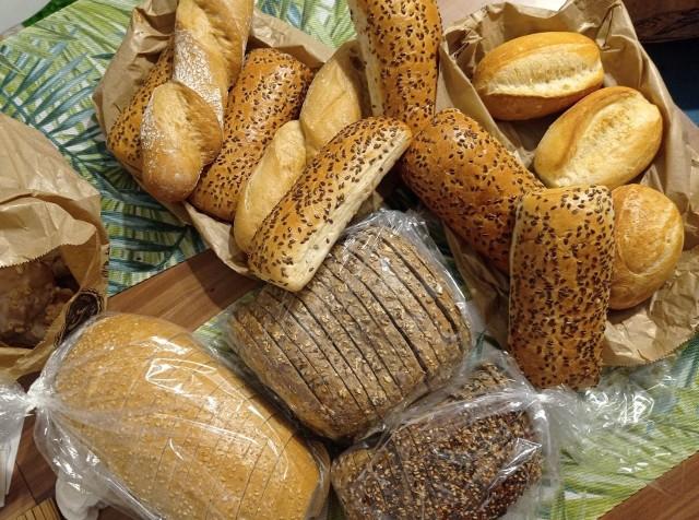 Pszenica, będąca podstawą wielu produktów spożywczych bardzo podrożała. Co z cenami mąki, chleba?