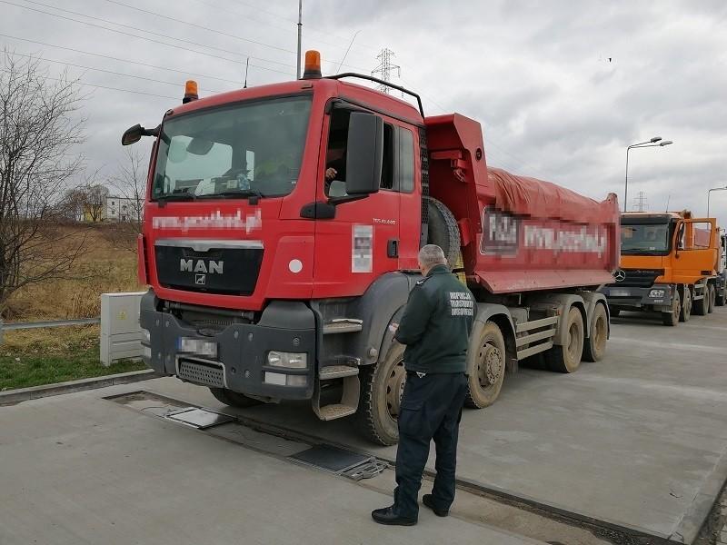 Wywrotki były ważone w Radomiu, na wadze przy ulicy NSZZ Solidarność.