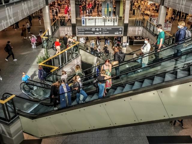 Od 4 maja ponownie otwarte są galerie handlowe. Krakowianie tłumnie ruszyli do sklepów