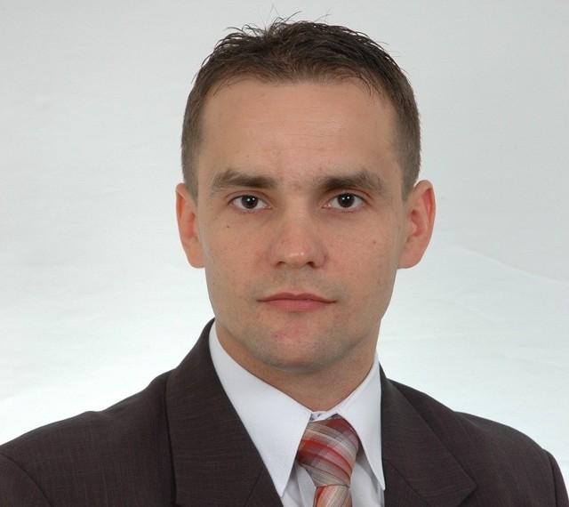 Radny Paweł Biernacki zostanie dyrektorem Zespołu Szkół w Dretyniu. Był jedynym kandydatem.