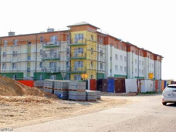 Dom mieszkalny wybudowany przez KTBS na osiedlu UENa 10 czerwca jest planowany odbiór techniczny nowych mieszkań KTBS na osiedlu Unii Europejskiej, które są już na ukończeniu.