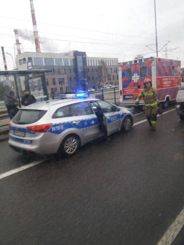 Jedna osoba poszkodowana w wypadku przy ul. Marynarki Polskiej w Gdańsku w czwartek, 15.04.2021 r.