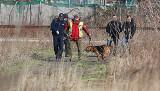 Morderstwo w Parku na Zdrowiu. Zabójcę tropił pies z Saksonii. Co wywęszył czworonożny funkcjonariusz?