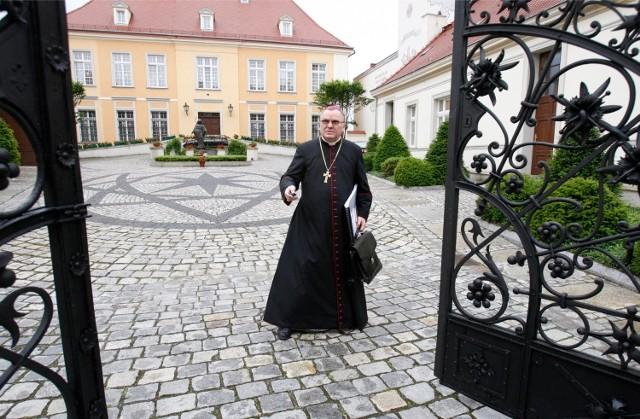 Abp Marian Gołębiewski rozpocznie emeryturę 16 czerwca