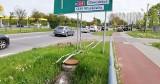 Ściął znak drogowy w Słupsku. Kierowca astry ukarany mandatem [ZDJĘCIA]