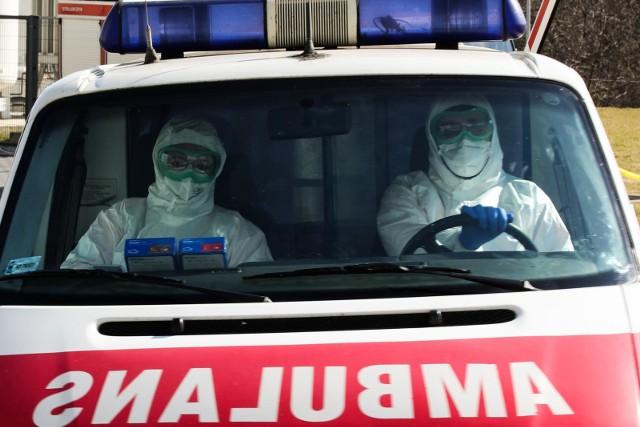 Obecnie dla pacjentów w całej Polsce pozostaje wolnych około 15 tys. miejsc w szpitalach i 1 300 respiratorów.