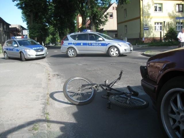 Osobówka potrąciła dziecka kilka metrów przed przejściem dla pieszych.