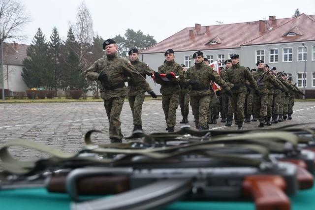 Pod koniec lutego elewi złożą uroczystą przysięgę wojskową. Po zdaniu egzaminów, przystąpią do szkolenia specjalistycznego w kilkunastu specjalnościach wojskowych.