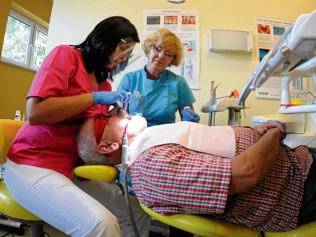Umawiam się z moim dentystą