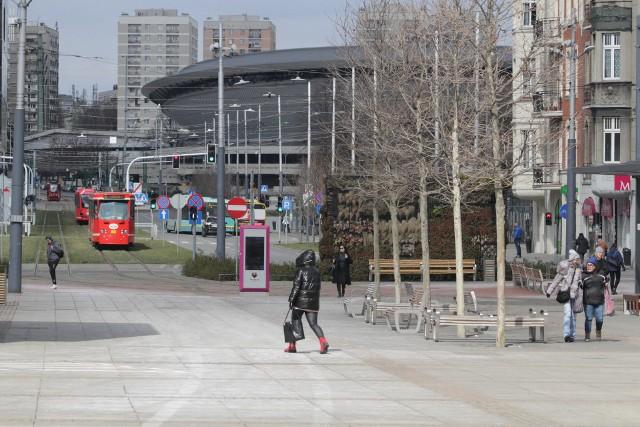 Katowice w czasie pandemii koronawirusa. Tak wygląda miast.Zobacz kolejne zdjęcia. Przesuwaj zdjęcia w prawo - naciśnij strzałkę lub przycisk NASTĘPNE