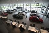 """Jakie samochody kupują Polacy? Trendy wyraźnie się zmieniły. """"Przestaliśmy traktować samochód jako inwestycję życia, spełnienie marzeń"""""""