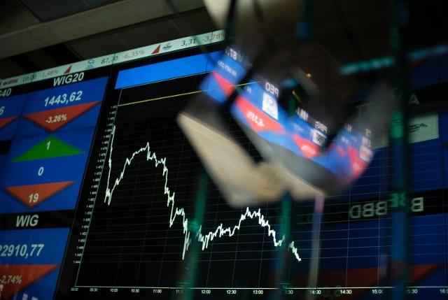 Giełdy w Europie toną, natomiast kontrakty w Stanach Zjednoczonych wskazują na wejście Wall Street w oficjalną recesję, czyli koniec ponad 10 letniego rynku byka.