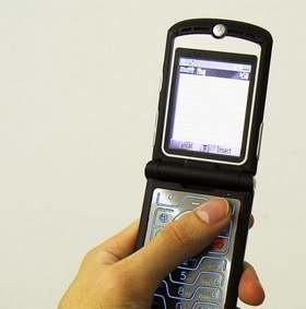 Dla posiadaczy telefonów komórkowych uruchomiono numer +48 608 599 999. (fot. sxc)