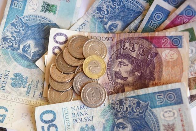 Najwyższa emerytura wypłacona przez ZUS w Rzeszowie wynosiła 13 627  zł.
