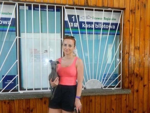 - Nieczynne kasy to wielkie utrudnienie dla pasażerów - mówi Adriana z Olesna.