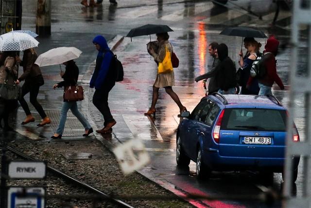 Dziś we Wrocławiu ma spaść deszcz. Czy będzie burza? To już nie jest takie pewne