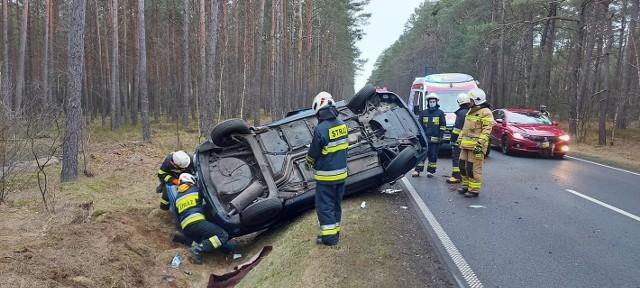 Do groźnie wyglądającego zdarzenia doszło w niedzielę rano na drodze nr 163 w okolicach miejscowości Machliny w gminie Czaplinek.