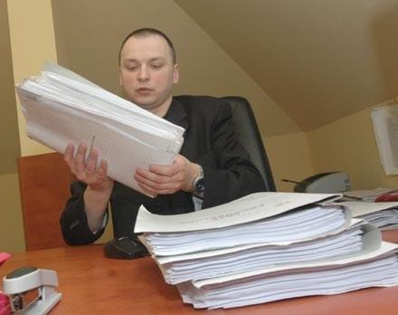 - Jerzy Ch. z jednymi chłopcami współżył, innych zmuszał do poddawania się czynnościom seksualnym, którym się przyglądał - mówi prowadzący sprawę prokurator Adam Mirosław