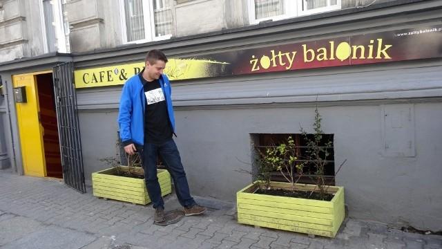 Restauratorzy zwracają uwagę na fatalny stan chodników na ul. Taczaka. W niedługim czasie  ma się to zmienić - planuje się rozpisanie konkursu na renowację płyt. Rewitalizacja ul. Taczaka idzie pełną parą!