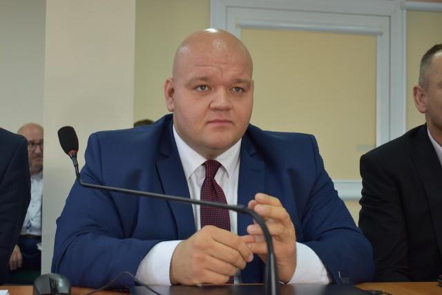Członek zarządu powiatu krośnieńskiego Radosław Sujak informuje, że być może w przyszłym roku przed HPV zostaną zaszczepione dwa roczniki. O ile nie zabraknie szczepionek...
