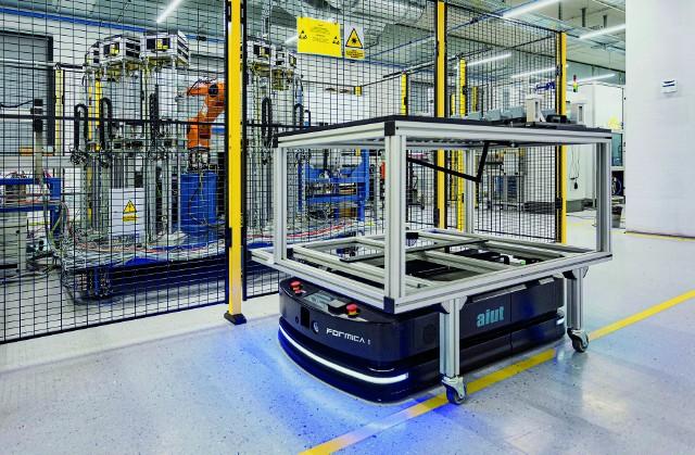 Od 1991 roku AIUT dostarcza zrobotyzowane linie i stanowiska produkcyjne do fabryk na całym świecie