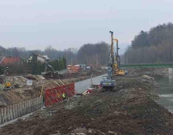 Prace związane z budową nowego odcinka drogi wojewódzkiej 941 w Żywcu.