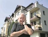 Kraków. Chociaż za 120 tys. zł kupił mieszkanie to 79-letni Kazimierz Dyląg  może być bezdomny