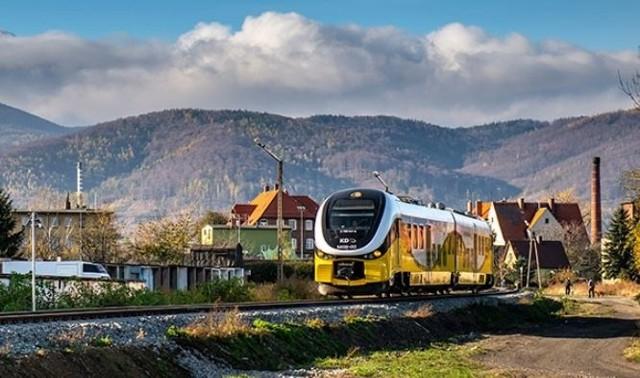 Koleje Dolnośląskie, pociąg do Bielawy.