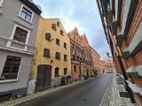 Toruń. Zabytkowy spichrz przy Rabiańskiej przejdzie remont