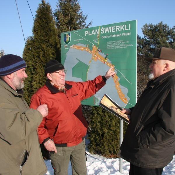 - Zakład tak, ale niech rozwiążą problem komunikacji na drodze w kierunku Czarnowąs - mówią Jerzy Bednorz, Horst Schmidt i Józef Moczko.