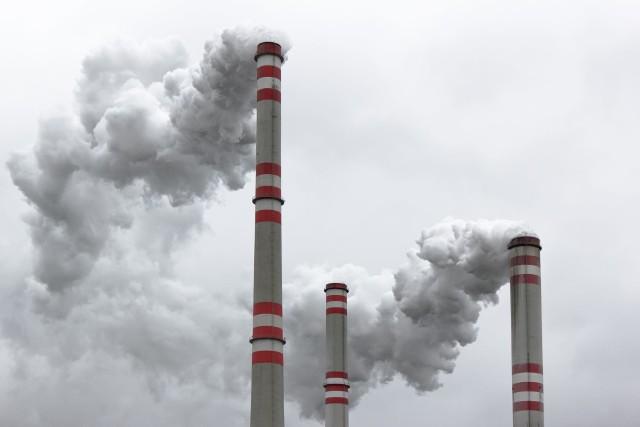 Zanieczyszczenia powietrzaDo groźnych skutków wdychania smogu zalicza się m.in. choroby układu oddechowego i układu krążenia.