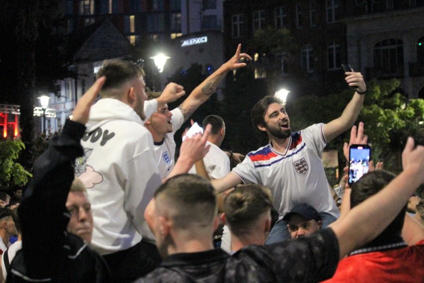 Euro 2020. Angielscy kibice świętowali awans reprezentacji do półfinału Euro 2020 na ulicach [ZDJĘCIA, WIDEO]