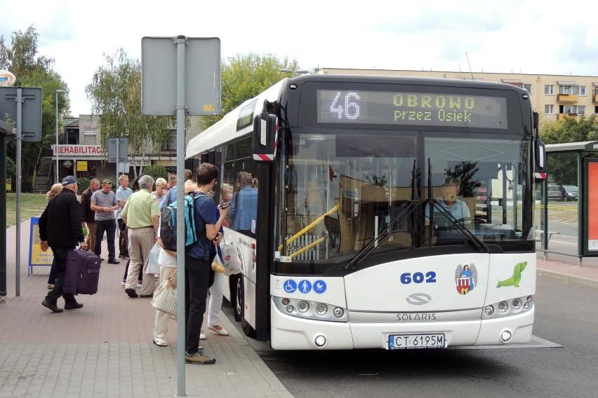 Wracamy do tematu autobusów MZK do podtoruńskich gmin. Gorąca dyskusja na ten temat toczy się od kilku lat. W ostatnich miesiącach pojawiła się szansa na połączenia z gminą Wielka Nieszawka, a także z gminami Łubianka, Łysomice oraz Unisław. Jak obecnie przedstawia się sytuacja w tej sprawie? Sprawdziliśmy!