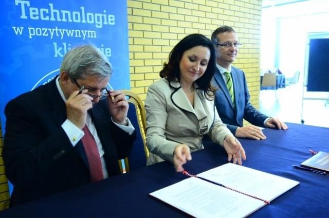 W Centrum Wykładowym Politechniki Poznańskiej podpisano umowę dotyczącą studiów dualnych.